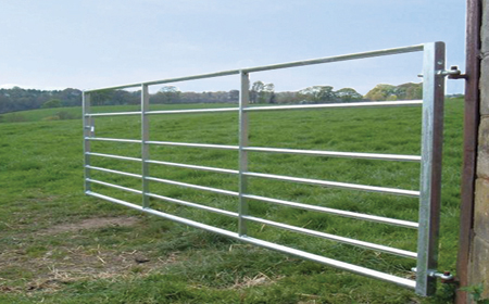GATE 7 RAIL FIELD GATE 12'-0