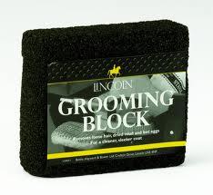 LINCOLN GROOMING BLOCK-0